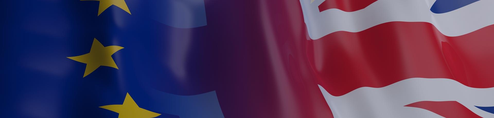 Drapeau européen et drapeau anglais