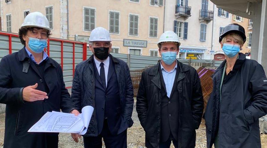 François Bayrou sur le chantier du Foirail de Pau